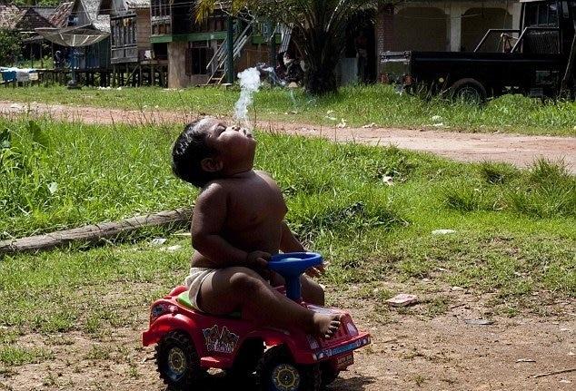 bebe-fumador-2